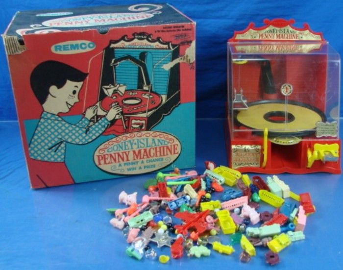 Remco 1959 Coney Island Penny Machine And Prizes Vintage