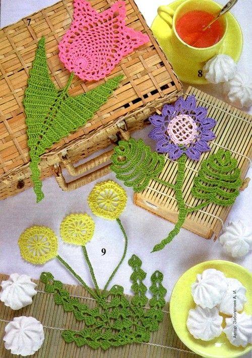 avec diagrammes http://crochet-plaisir.over-blog.com/article-fleurs-colorees-et-leurs-grilles-gratuites-au-crochet-113473904.html