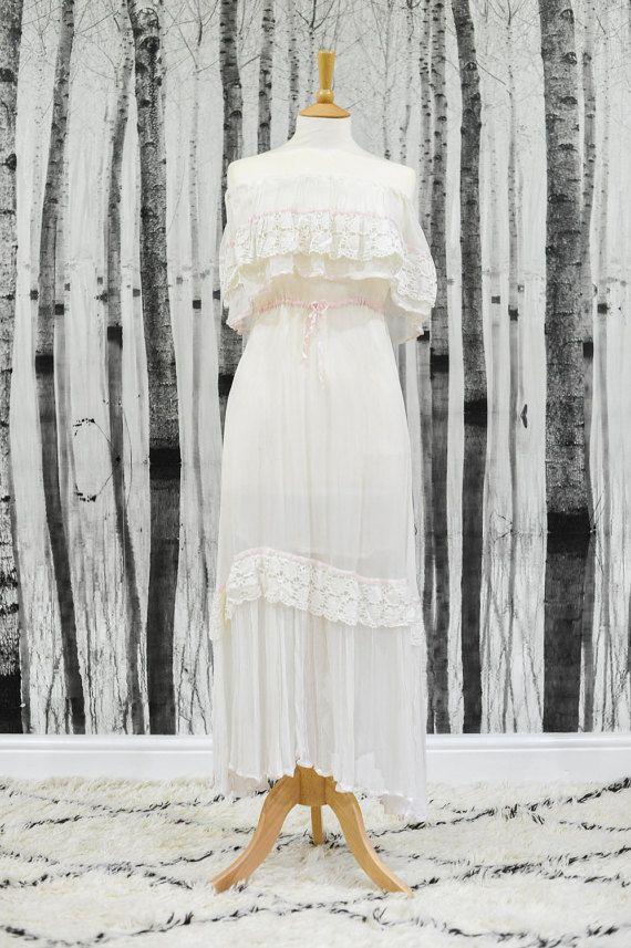 LOLA Genuine Vintage 1970s Wedding Dress