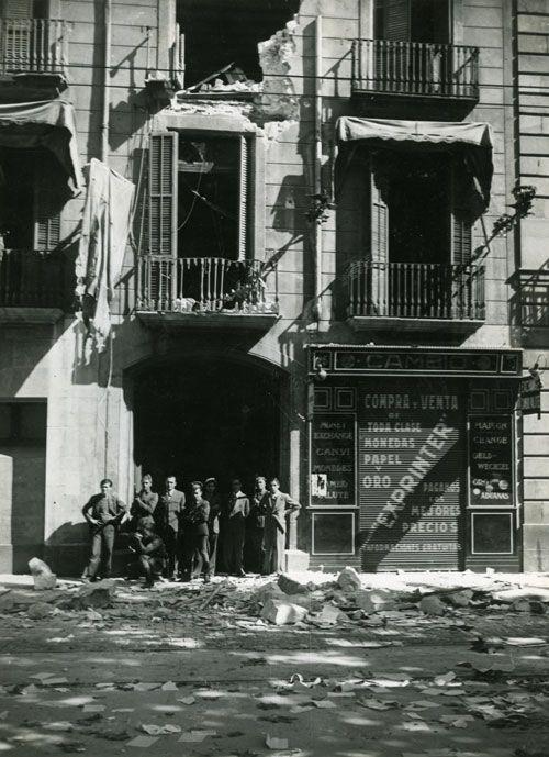 Fets d'Octubre de 1934 (III)    Efectes del bombardeig de les tropes al Centre Autonomista de Dependents del Comerç i la Indústria (CADCI).