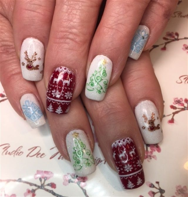 632 best Christmas Nail Art images on Pinterest ...