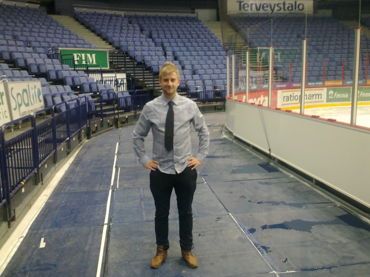 Joel Harkimo the guy from Jokerit helping us to survive in the huge arena.