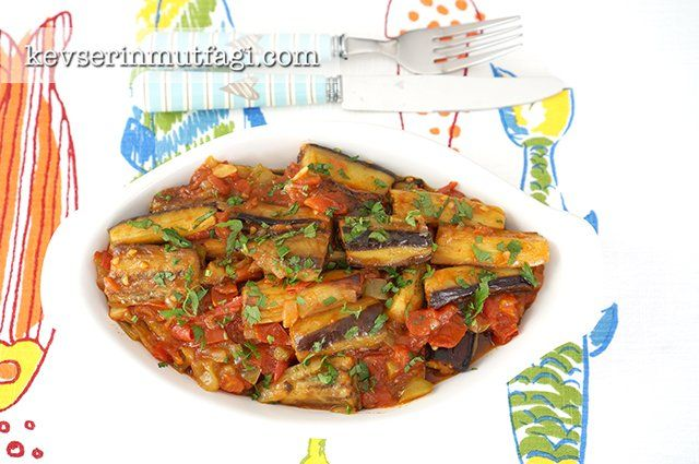 Zeytinyağlı Patlıcan Yemeği Tarifi | Kevserin Mutfağı - Yemek Tarifleri