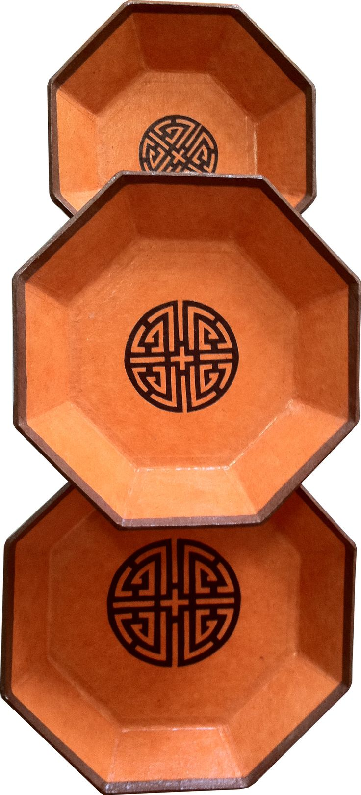 A set of handmade Hanji trays that can be used for simple display or to serve dry snacks. http://www.hanjiartandcraft.com/hanji-tray-set/