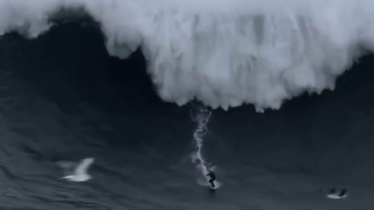 INCREDIBLE SURFING ON THE BIGGEST WAVES