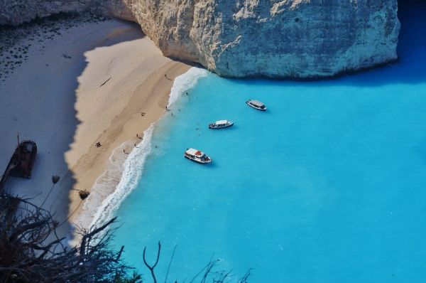 The Shipwreck beach from the cliff above