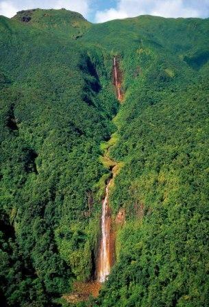 La Guadeloupe et ses chutes d'eau impressionnantes