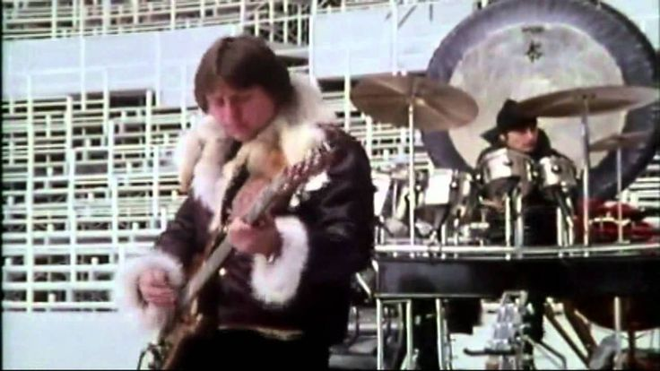 Fanfare for the Common Man - Emerson, Lake & Palmer (Olympic Stadium Mon...  First band I ever saw in concert!!!