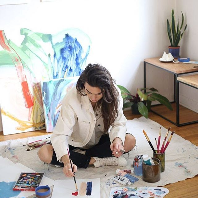 Our Artist Spotlight continues with Maja, who is based in Portland, Oregon. She produces paintings with vivacious colors and showcases brilliant brushwork. We can't wait to have one of these hanging in our studio one day. You can find a gallery of her work @maijkah 🎨. #RyzeforArt