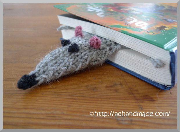 Stickmönster till ett bokmärke. A flat rat!