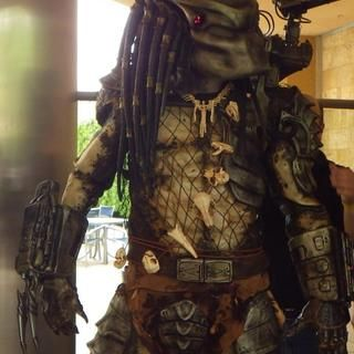 My goal is to finish my own predator costume before next halloween :)