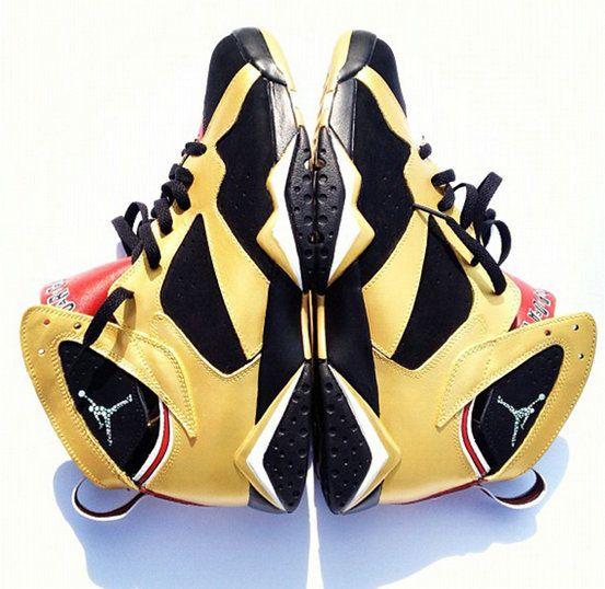 Big Boys Shoe Air Jordan VII 92 Champ Collegiate Gold Black  7415dc0b6