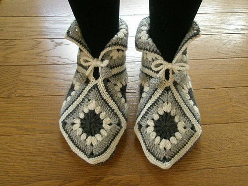 Okay, here's another non-sewing project, but it's something made by hand.  I have to learn how to crochet squares and make a pair of these adorable slippers.  They're based off of an old Norwegian pattern, and look super cozy.
