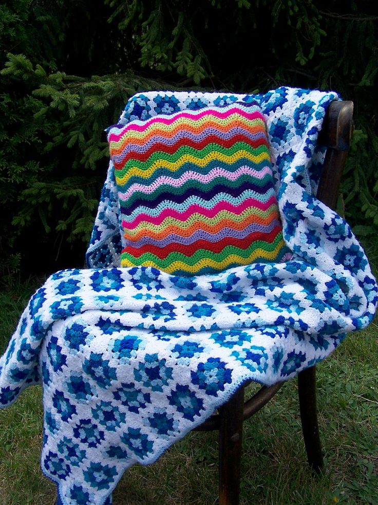 handmade crochet cushion cover cushion zigzag