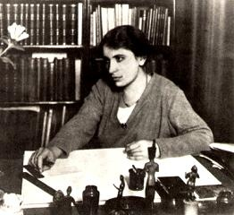 Anna Freud at her desk, Berggasse 19  Photo by unknown photographer, late 20s