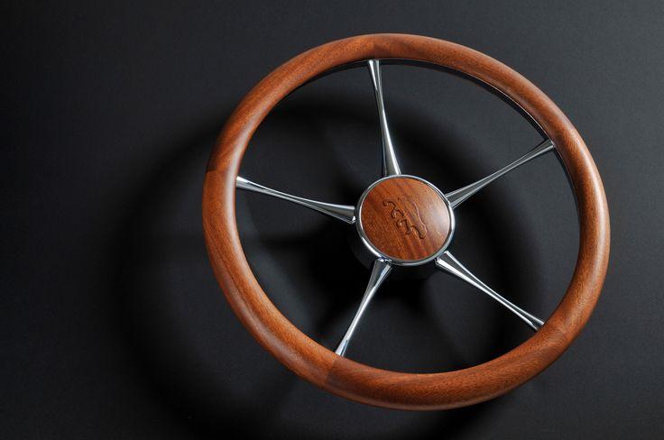 Aguti Yachts steering weel