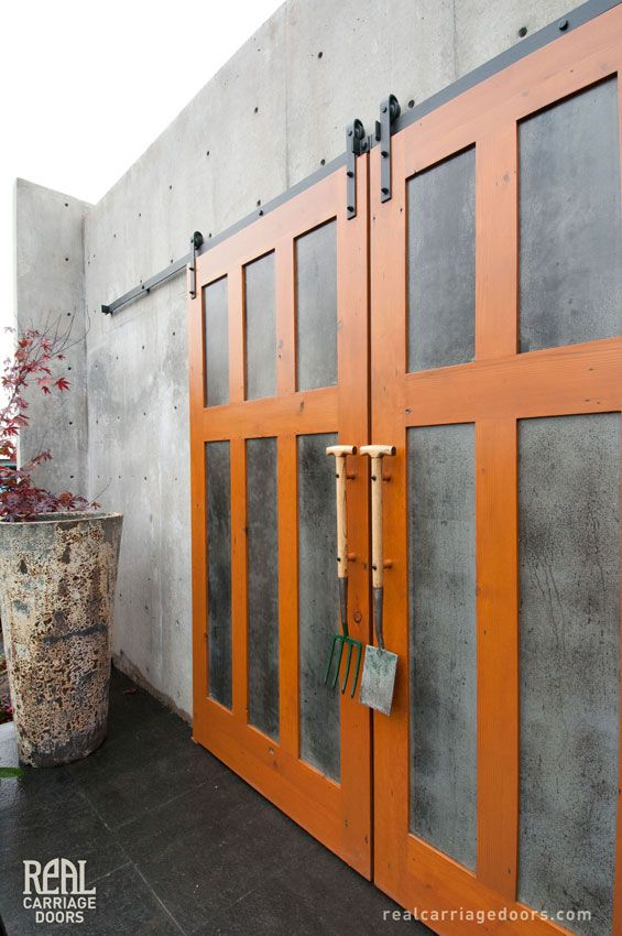Best 25+ Exterior sliding barn doors ideas on Pinterest   DIY ...