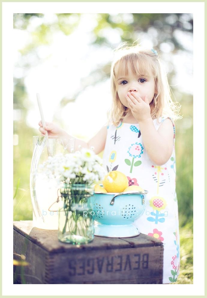 lemonade stand cuteness!