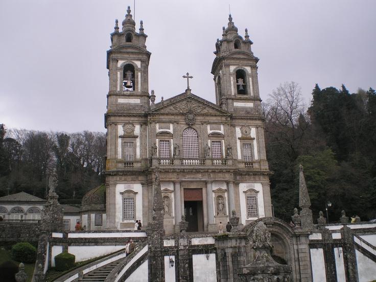 http://acomeredormir.blogspot.pt/2013/04/imagens-do-bom-jesus-e-sameiro-em-braga.html