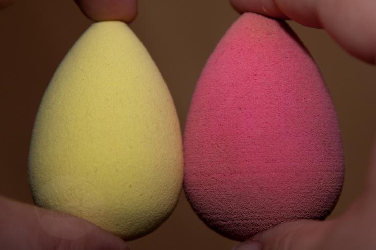 p2 Whats Up Beach Babe Sponge Allrounder vs. Beautyblender http://www.magi-mania.de/p2-sponge-allrounder-vs-beautyblender-erster-eindruck/