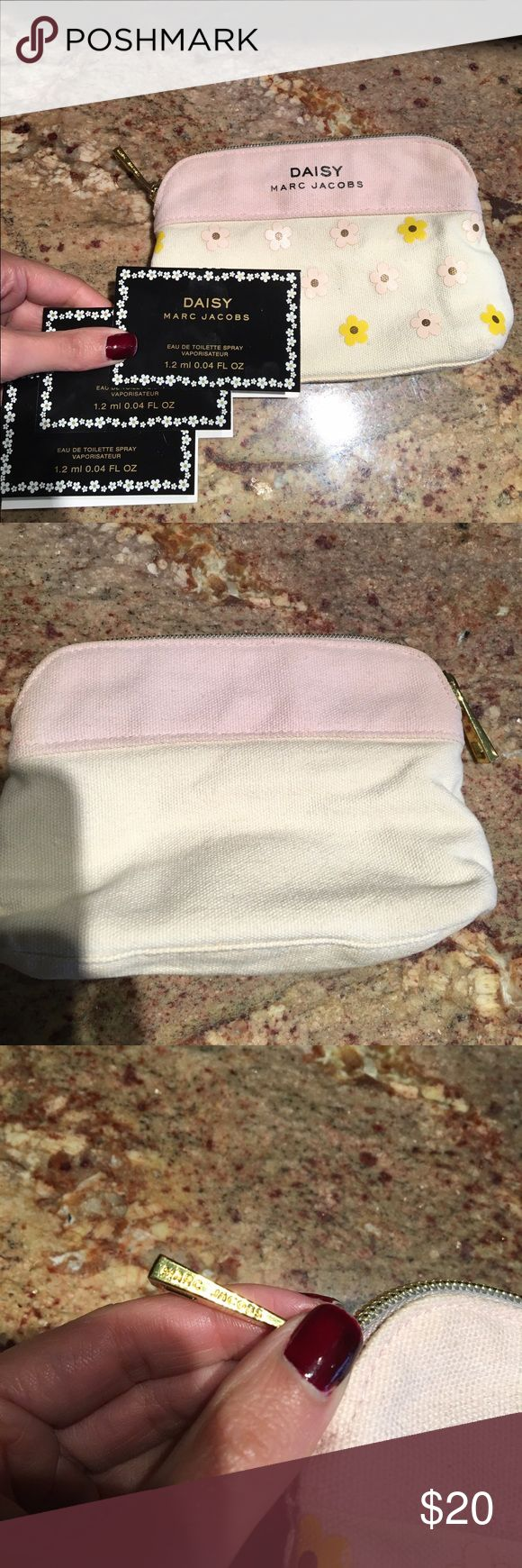 Marc Jacobs DAISY Make-Up Bag Authentic! Marc Jacobs make up bag. Perfect for purse/travel. Comes with 3 DAISY 1.2mL perfumes! Sephora Makeup
