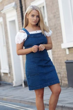 Chloe Plumstead 2 – Fashion Sense: Fashion Outfits for Women to Look Slimmer
