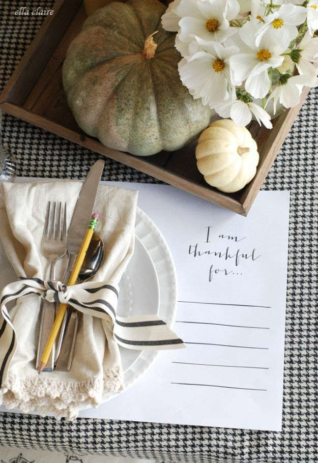 Placemat Ideas To Make Your Thanksgiving Table Stand Out Diy Projects Thanksgiving Decorations Diy Thanksgiving Table Decorations Thanksgiving Placemats