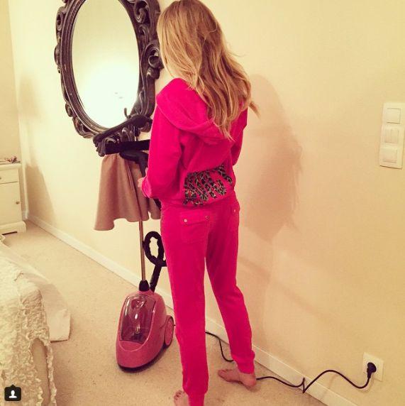 Gosia Guzowska with SteaMaster! #steamaster #steamer #pink #ironing #iron #gosiaguzowska #polish #model #celebrities #star #lifestyle