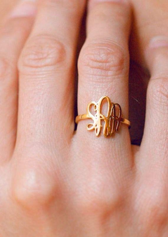 Gold Monogram Ring / capuccine via etsy