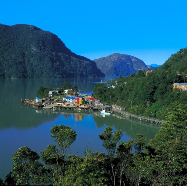 Peulla - Lake Crossing