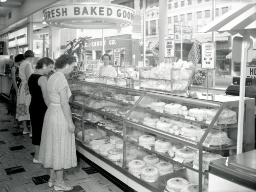 Woolworth's bakery department in Evansville, Indiana, 1957.