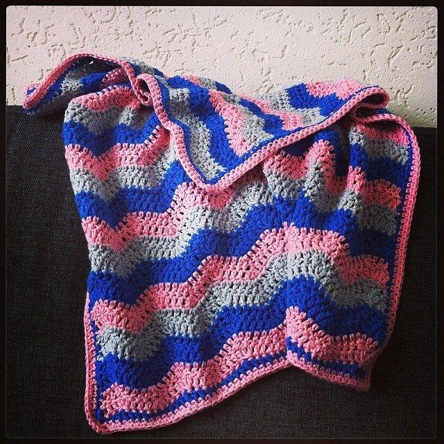 Babydekentje voor jongste dochter met kleuren van haar geboortekaartje www.lifewithlife.nl