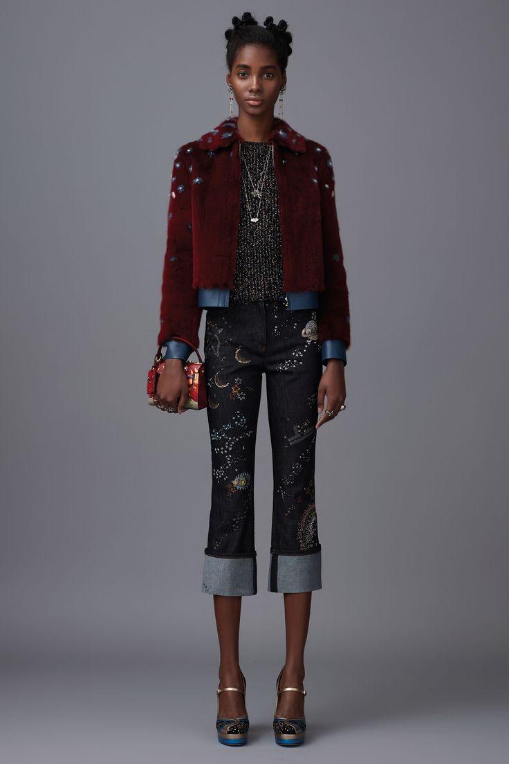 Valentino: pre-fall 2016 une Ocidente e Oriente - Vogue | Desfiles
