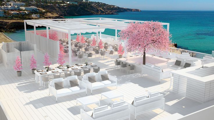 A rooftop establishment with spectacular view #ILX #apartment #summer