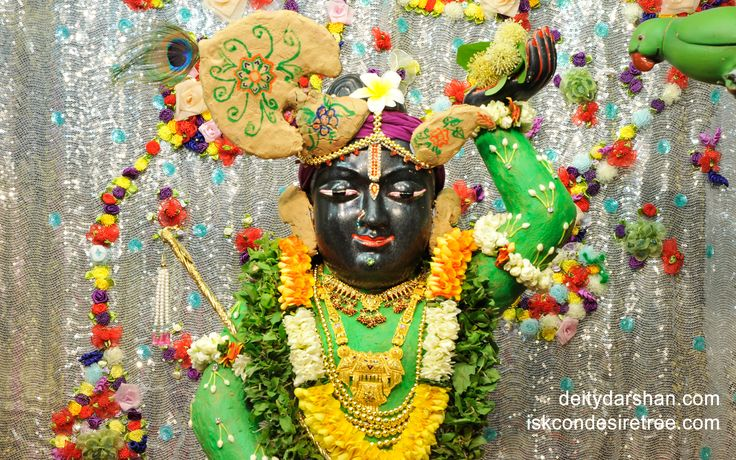To view Gopal Close Up Wallpaper of ISKCON Chowpatty in difference sizes visit - http://harekrishnawallpapers.com/sri-gopal-close-up-wallpaper-013/