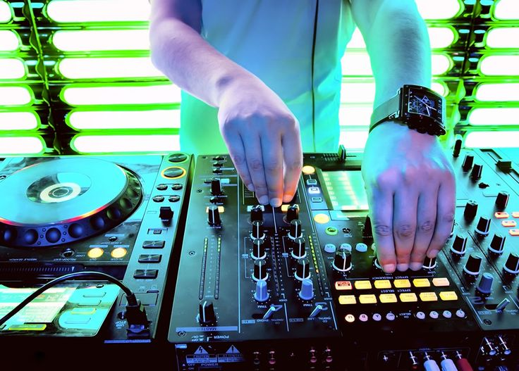 #DJ Hire in #Ahmedabad . The DJ Jashnn specialises in providing the best #DJ #Services for any occasion.