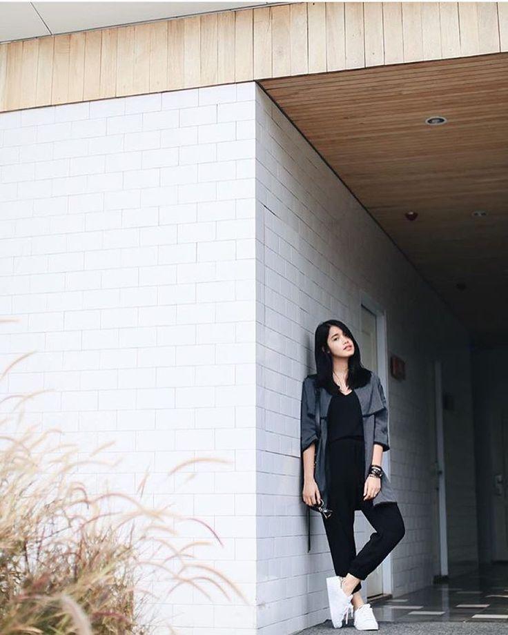 In style: @anaoctarina is wearing RUSTY ZIGGY GREY  IDR 199,000.- ✖️️SOLDOUT ✖️ - Line: @tareisa @tareisacatlog . #tareisanme