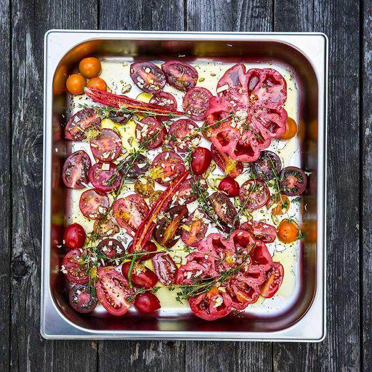 Neutral och fyllig tomatsås som är ljuvlig precis som den är! Förutom till pastarätter kan du använda den som bas i många andra recept.