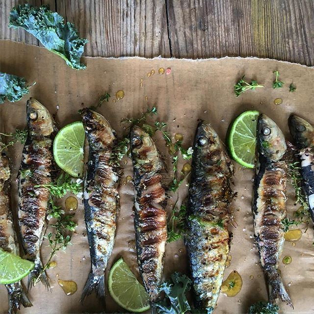 Sardinas con hierbas aromáticas y lima. ➖➖➖➖➖➖➖➖➖➖➖➖➖ @thefeedfeed #thefeedfeed #beautifulcuisines #bestfoodworld #picoftheday #natural #nature #picturef #love #foodphotografib #fooddeco #quiensepica_ajoscome #gastronomia #gastrovictims #foodie #top_food_of_instagram #foodgawker #thekitchn #food52 #tastespotting #food #cook #cuina #foodblogfeed @foodblogfeed @photofoodiemagazine #gastropost