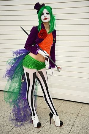 Omg this is a FANTASTIC female joker! Love the tulle! by RioLeigh