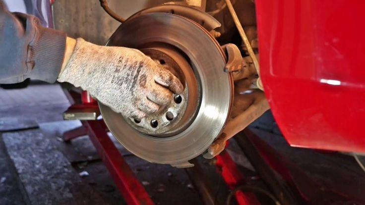 Golf MK6 front Brake disc and brake pad replacement / Golf 6 Bremsscheib...
