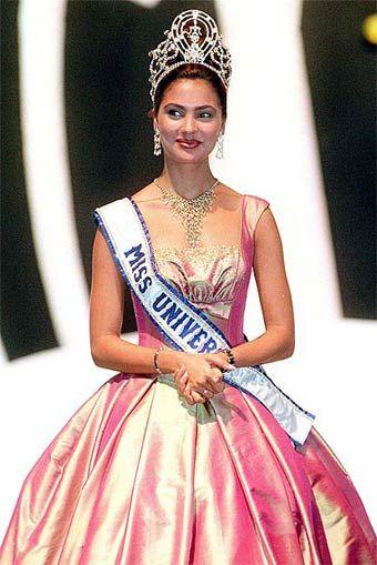 Miss Universe 2000. Lara Dutta from India.