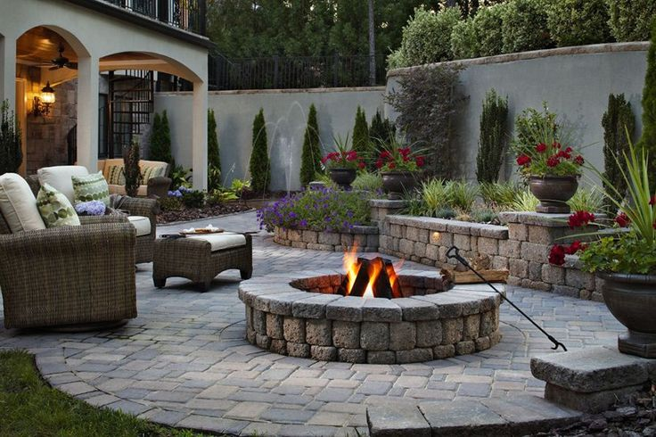 Belgard Country Manor fire pit allows for custom-made sizes and installations on existing structures.