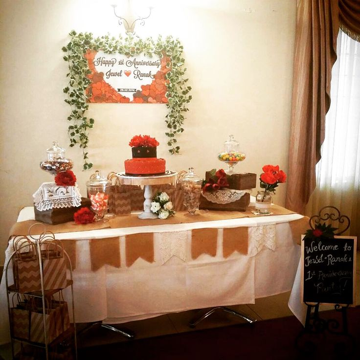 Rustic cake table #queenstvintage #rusticprops #rusticweddings #recycledtimber #prophiresydney #vintageideas #rusticsigns #rusticdrinkstations #rusticsweettables #vintageweddings #rusticwishingwells #timberweddingsigns #drinkstations #photobooth #tablecentrepieces #caketables