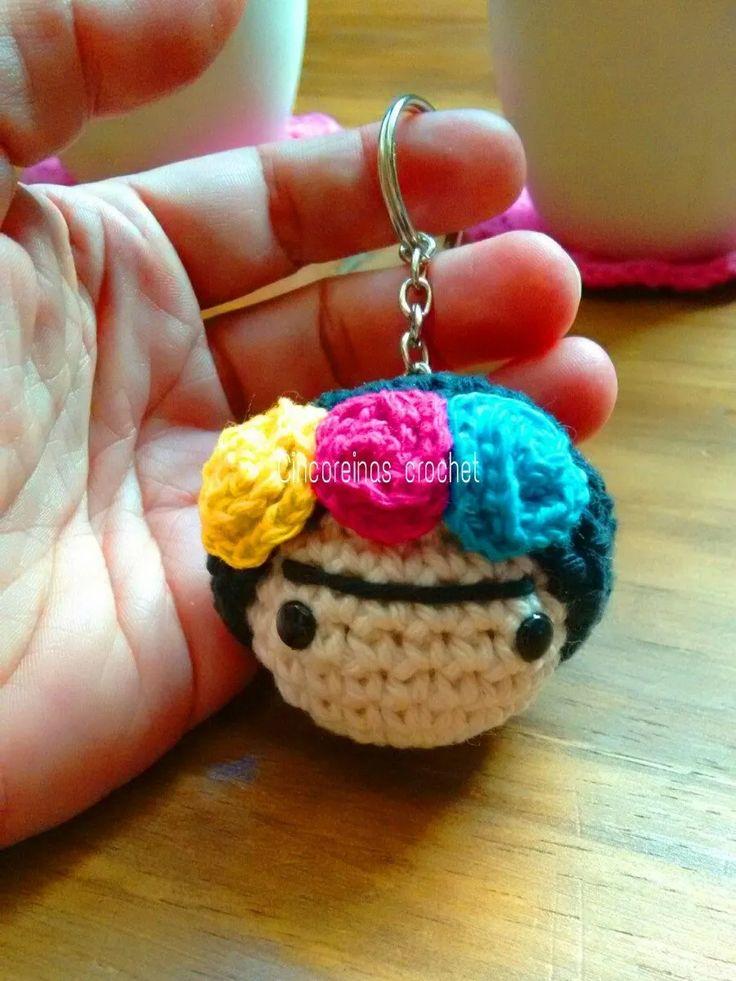 llavero frida al crochet