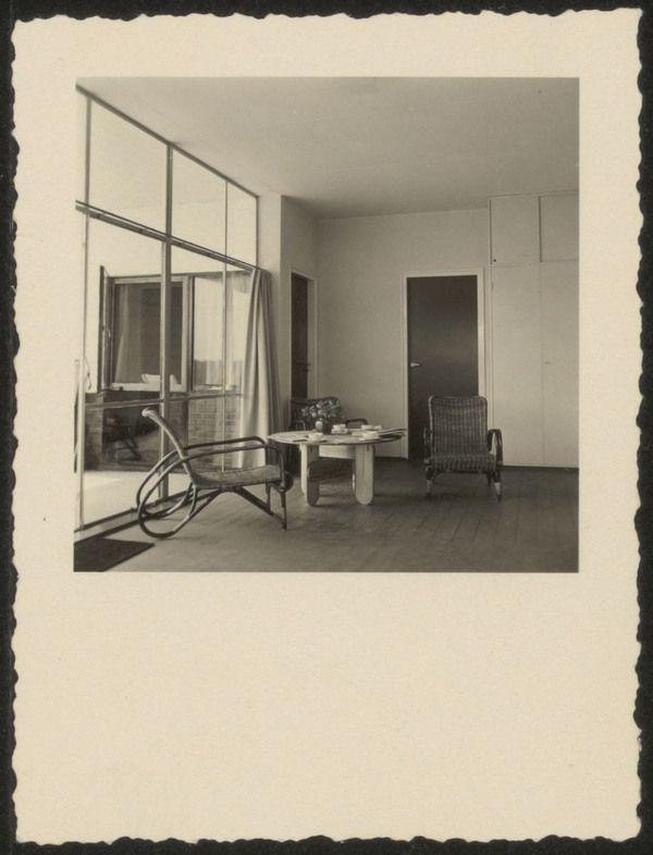 Afbeelding van zomerhuis Brandt Corstius,ca.1939, interieur zithoek