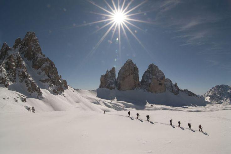Discese ad alta velocità, sci di fondo su 93km di piste, relax in baita e socials ad alta quota sono attività ideali per scaricare la stanchezza e ripartire alla grande: tutto questo in uno dei comprensori sciistici più grandi delle Dolomiti Orientali, il <b>Consorzio Turistico Alta Pusteria</b>, (Skipass da € 45,50 al giorno al 3+1 a € 170)