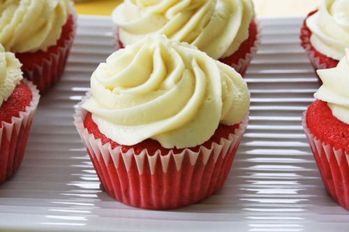 canada day cupcakes - red velvet