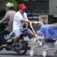 Cara Salah Bawa Bayi Sambil Naik Motor