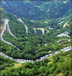 L'Alpe d'Huez - I want to ride my bike here!!!! BAD